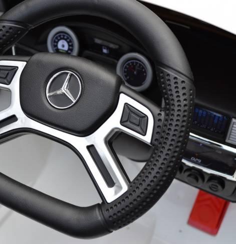 Электромобиль Mercedes-Bens AMG с резиновыми колесами серебро