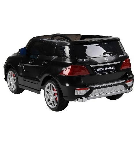 Электромобиль Mercedes-Bens AMG с резиновыми колесами черный